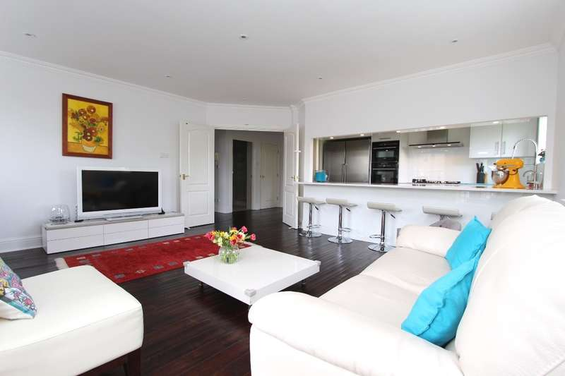 3 Bedrooms Flat for sale in Samuel Gray Gardens, Kingston Upon Thames