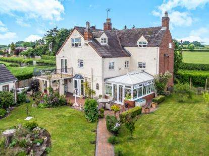7 Bedrooms Detached House for sale in Wolseley Bridge, Colwich, Stafford, Staffordshire