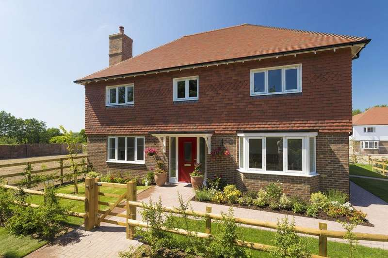 5 Bedrooms Detached House for sale in Hothfield, TN25
