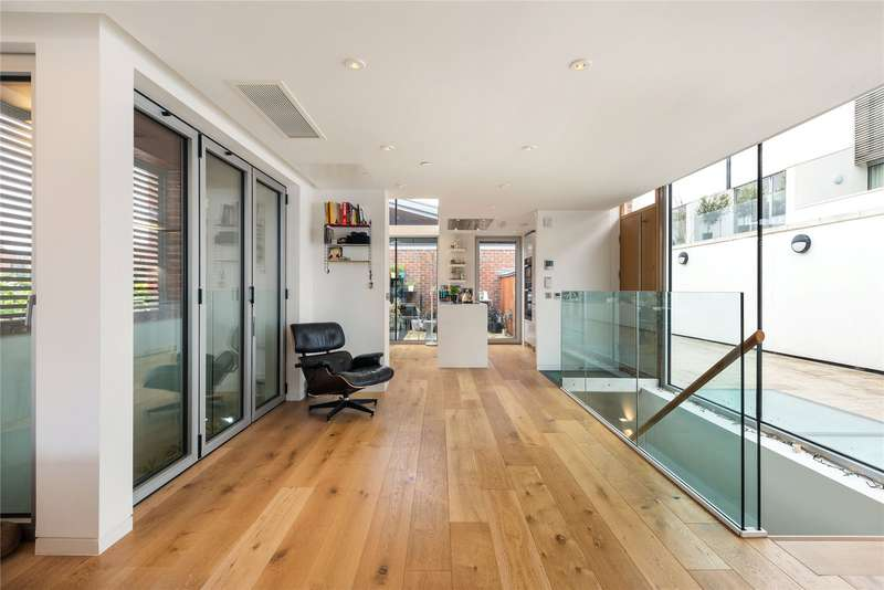 2 Bedrooms House for sale in Princess Louise Walk, North Kensington, London, W10