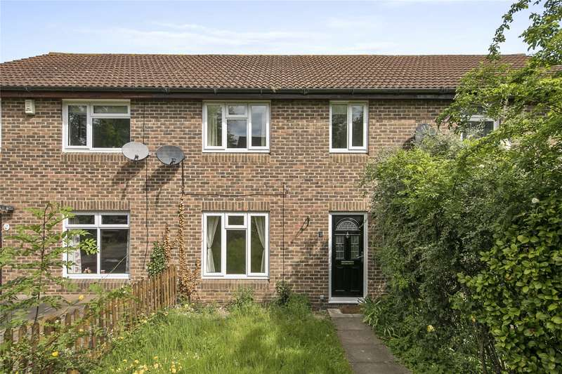3 Bedrooms Terraced House for sale in Meadows Leigh Close, Weybridge, Surrey, KT13
