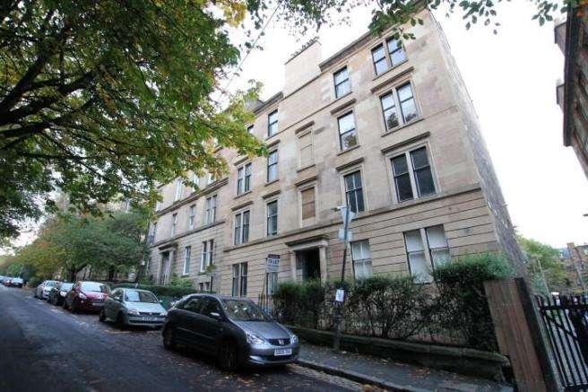 4 Bedrooms Flat for rent in Glasgow Street, Hillhead, Glasgow