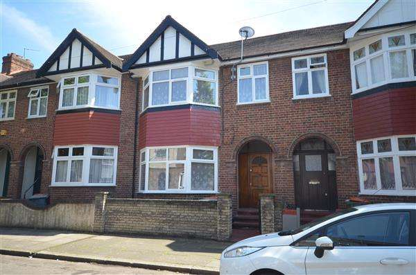5 Bedrooms Terraced House for sale in Crofton Road, Plaistow
