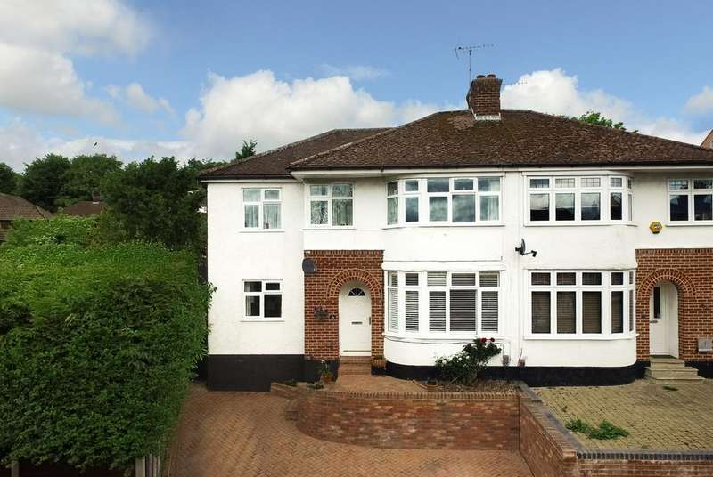 4 Bedrooms Semi Detached House for sale in Meadow Road, Berkhamsted HP4