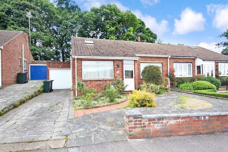 2 Bedrooms Semi Detached Bungalow for sale in Squires Way, Dartford