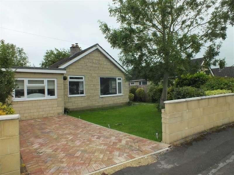 3 Bedrooms Property for sale in Winston Road, Melksham, Wiltshire, SN12