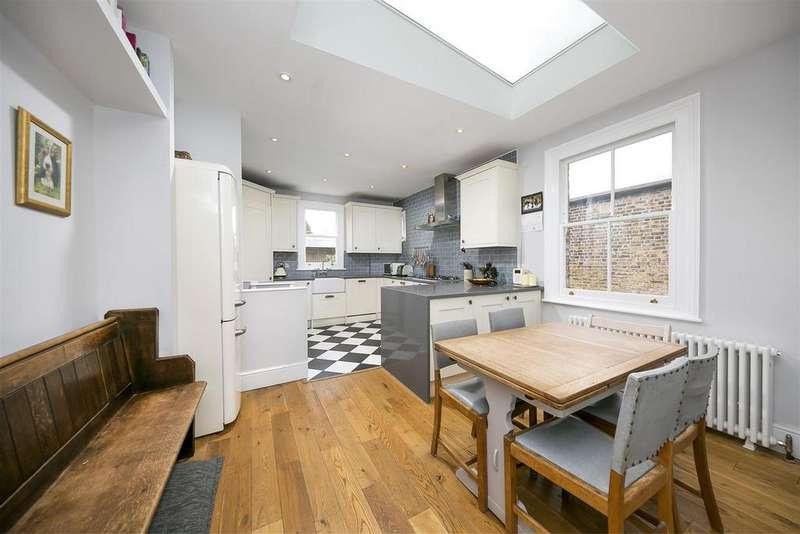 3 Bedrooms Maisonette Flat for sale in Godstone Road, Twickenham
