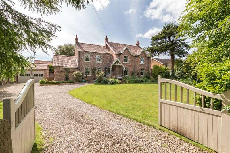 6 Bedrooms Detached House for sale in The Green, Seamer, North Yorkshire