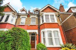 1 Bedroom Flat for sale in St. Augustines Avenue, South Croydon, .
