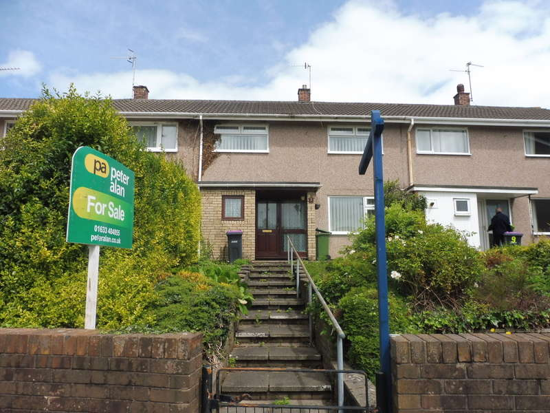 2 Bedrooms Terraced House for sale in Manorbier Drive, Llanyravon, Cwmbran