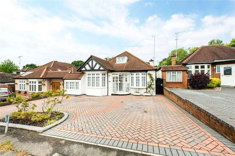 4 Bedrooms Bungalow for sale in Hillside Road, Northwood, Middlesex, HA6