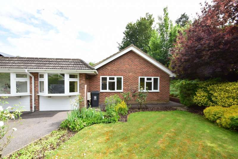 4 Bedrooms Bungalow for sale in Aldbourne Road, Burnham, SL1
