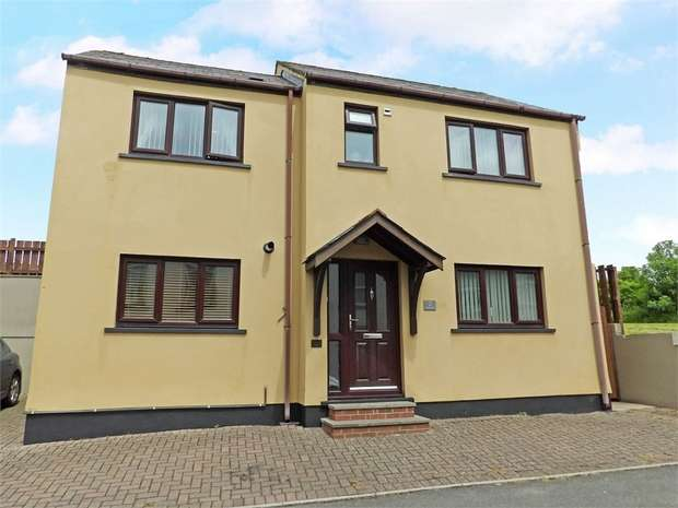 3 Bedrooms Detached House for sale in Lower Lamphey Road, Pembroke
