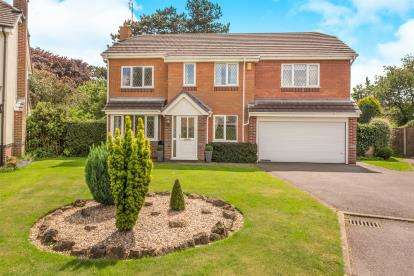 5 Bedrooms Detached House for sale in Langsett Drive, Chellaston, Derby, Derbyshire