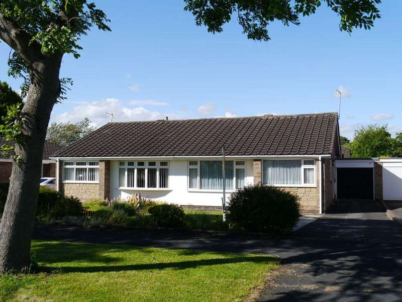 2 Bedrooms Semi Detached Bungalow for sale in Castle Way, Dinnington