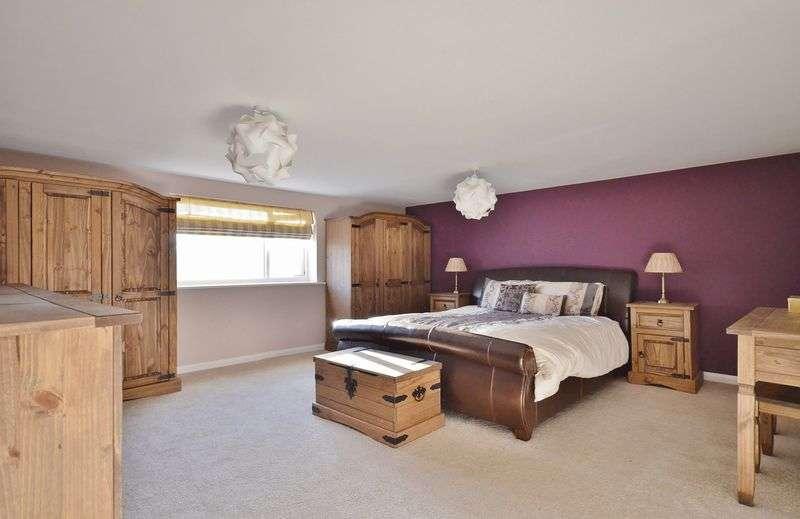 3 Bedrooms Property for sale in Main Street, Cleator