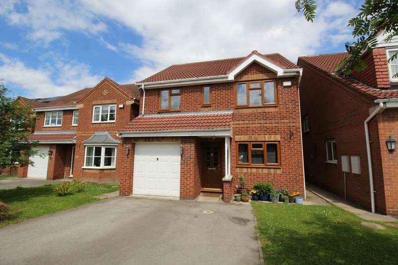 4 Bedrooms Semi Detached House for sale in Norwood Drive, Brierley, Barnsley, S72
