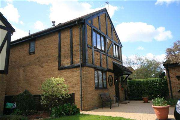 4 Bedrooms Detached House for sale in Homefield, NORTH YATE, Bristol