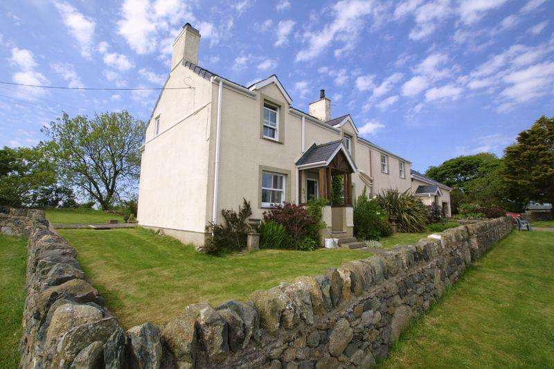 5 Bedrooms Detached House for sale in Pentraeth, Anglesey