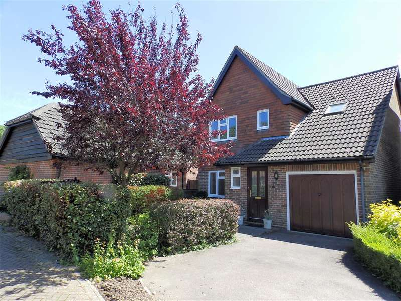 4 Bedrooms Detached House for sale in Little Comptons, Horsham