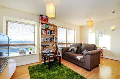 2 Bedrooms Flat for sale in Northpoint, Sherman Road, Bromley