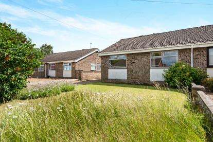 3 Bedrooms Bungalow for sale in Norwich, Norfolk, Norwich