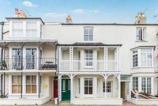 4 Bedrooms Town House for sale in The Steyne, Bognor Regis