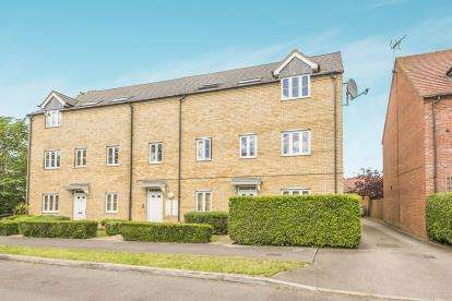 2 Bedrooms Flat for sale in Haybluff Drive, Stevenage, Hertfordshire, England