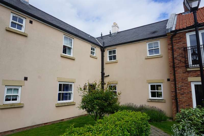 2 Bedrooms Apartment Flat for sale in Sunrise Drive, The Bay - Filey, YO14 9GE