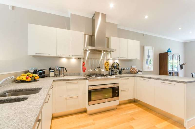 4 Bedrooms Semi Detached House for sale in Chalfont Mews, Southfields, SW19