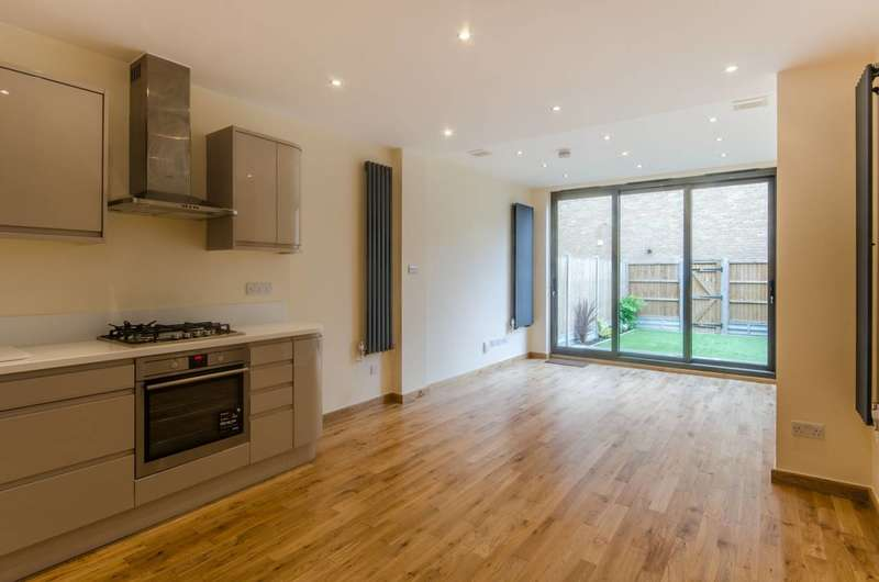 4 Bedrooms Terraced House for sale in Acton, Acton, W3