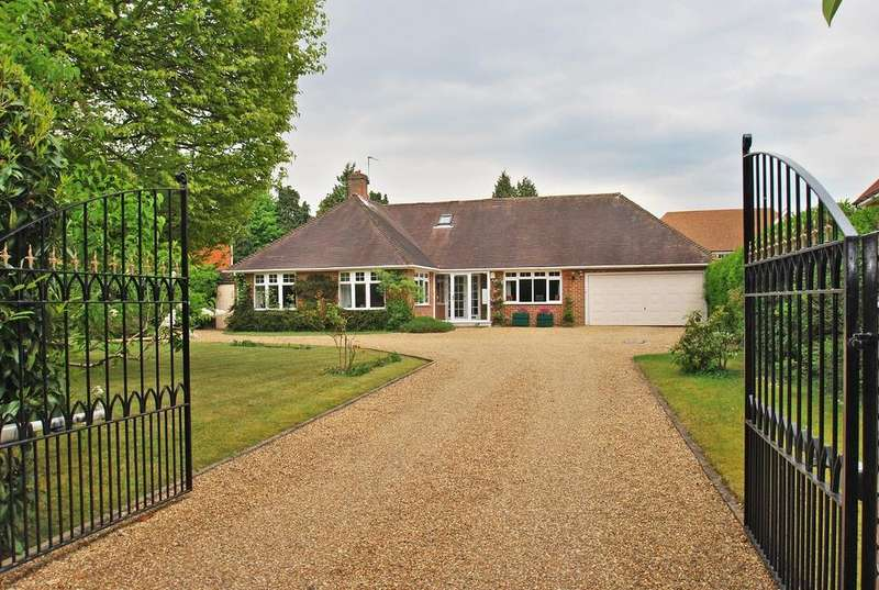 2 Bedrooms Detached Bungalow for sale in Blackpond Lane, Farnham Common, SL2