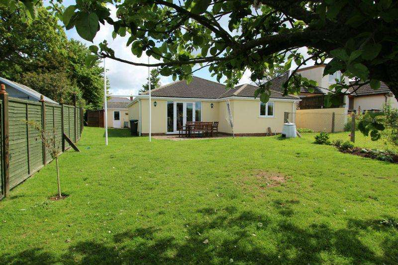 3 Bedrooms Detached Bungalow for sale in GROVE ROAD, WHIMPLE