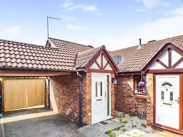 2 Bedrooms Bungalow for sale in Ivychurch Mews, Runcorn