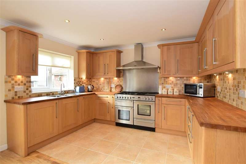 5 Bedrooms Detached House for sale in South Coast Road, Peacehaven, East Sussex