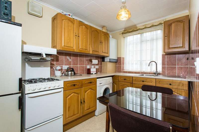 2 Bedrooms Flat for sale in Barbican Road, Greenford