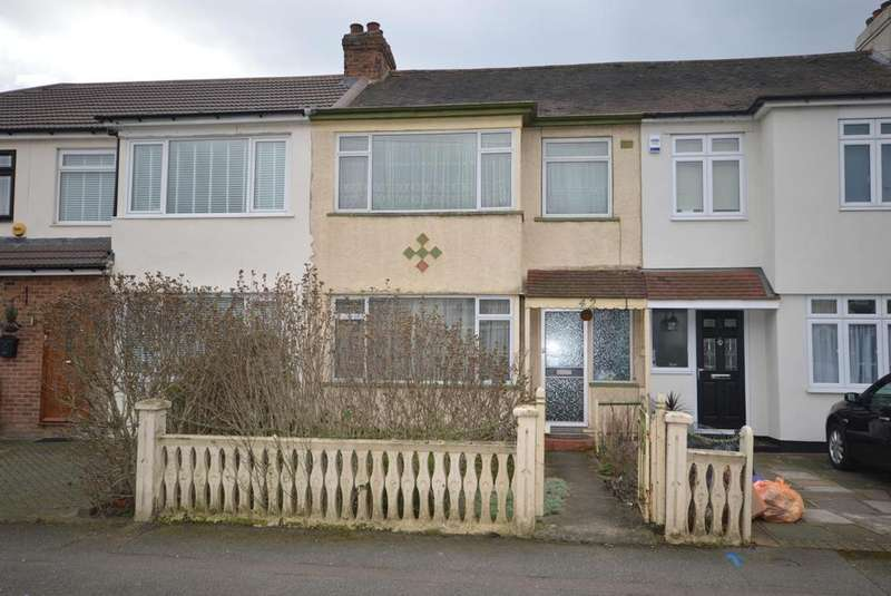 3 Bedrooms Terraced House for sale in Chestnut Avenue, Hornchurch, RM12