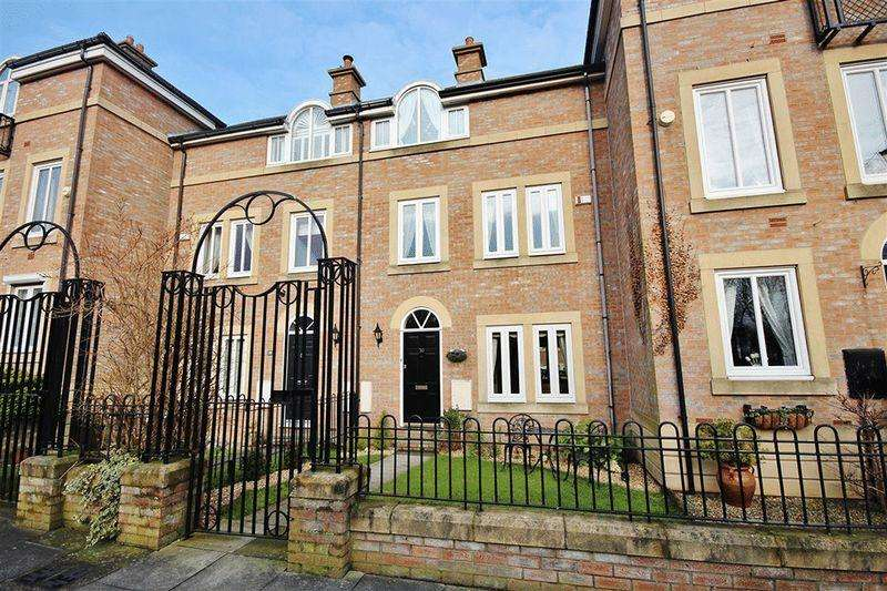 3 Bedrooms Town House for sale in Dockwray Square, North Shields