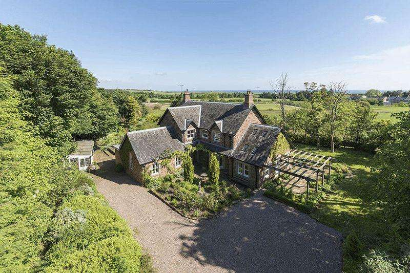 4 Bedrooms Detached House for sale in Churchwood House, Scremerston, Berwick-Upon-Tweed