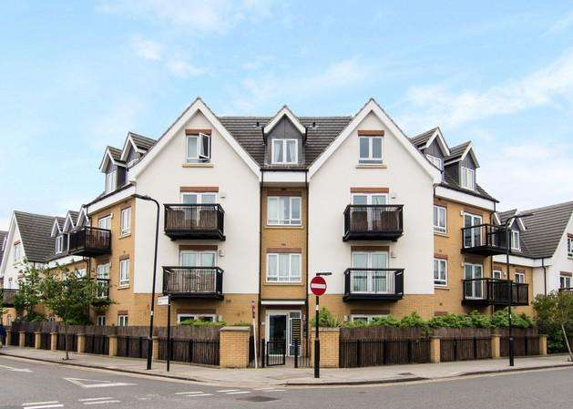 1 Bedroom Flat for sale in Featherstone Court, Dudley Road, Southall