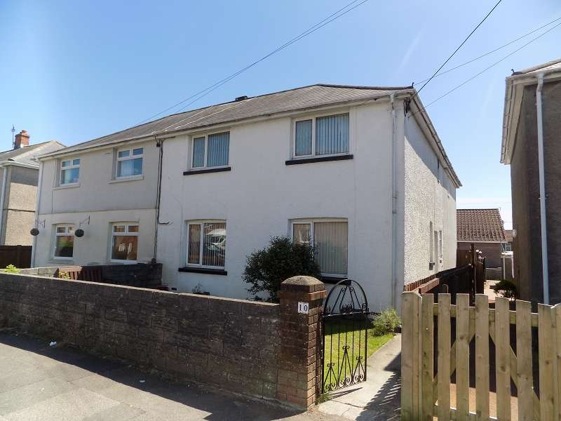 5 Bedrooms Semi Detached House for sale in Highland Avenue, Bryncethin, Bridgend. CF32 9YH