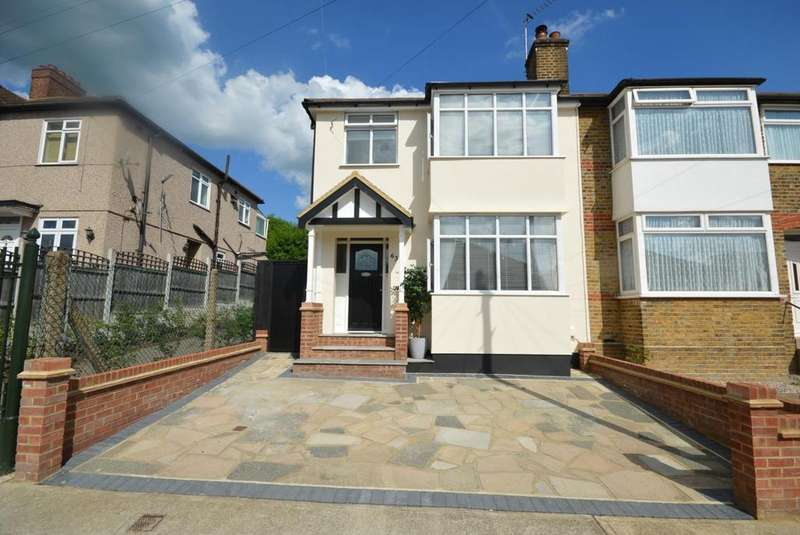 3 Bedrooms Semi Detached House for sale in Boscombe Avenue, Hornchurch, Essex, RM11