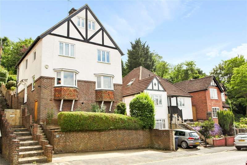 4 Bedrooms Detached House for sale in Croft Road, Godalming, Surrey, GU7