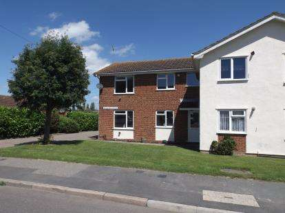 1 Bedroom Maisonette Flat for sale in Beauchamps Drive, Wickford, Essex