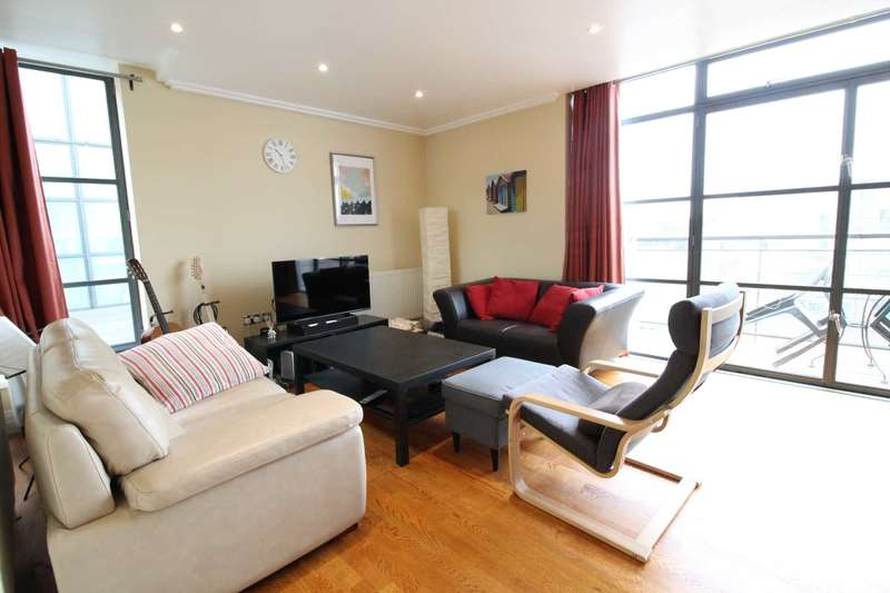 2 Bedrooms Penthouse Flat for sale in Ferrys Quays, Brentford