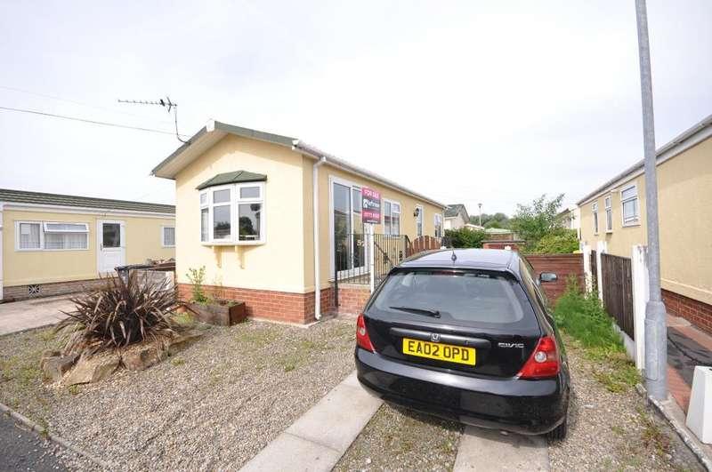 2 Bedrooms Park Home Mobile Home for sale in Ash Drive, Lamaleach Residential Park, Freckleton, Lancashire, PR4 1DY