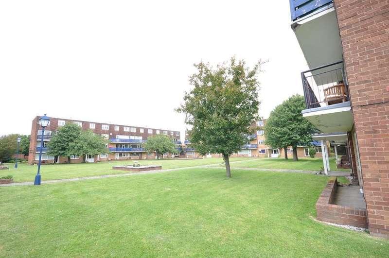 2 Bedrooms Flat for sale in Eldon Court, St Annes, Lytham St Annes, Lancashire, FY8 2BH