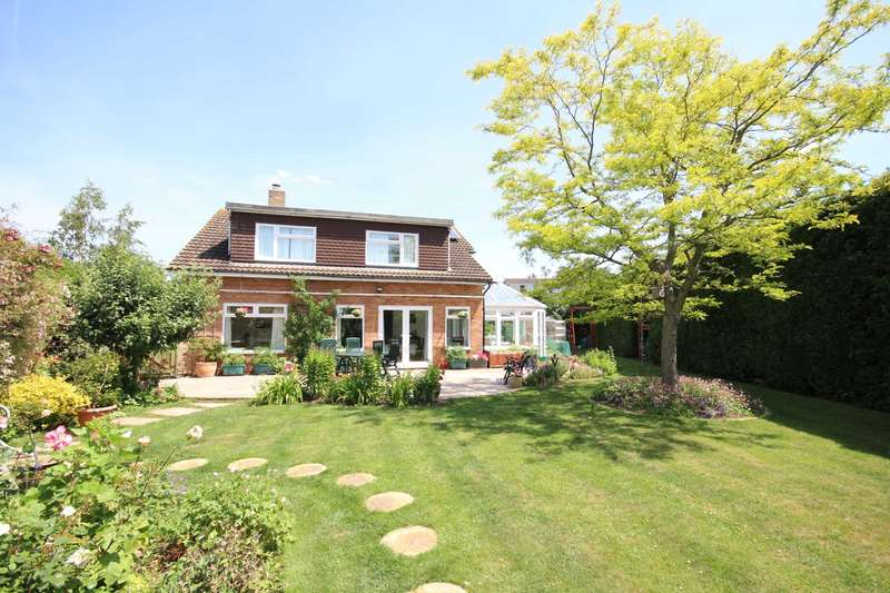 4 Bedrooms Detached House for sale in Darley Close, Bedgrove