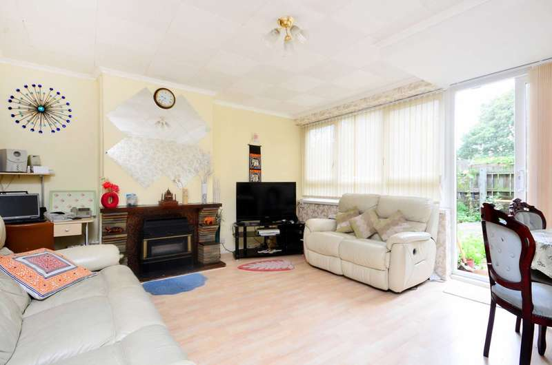 3 Bedrooms Maisonette Flat for sale in Southwater Close, Limehouse, E14