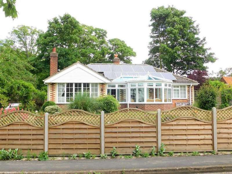 3 Bedrooms Bungalow for sale in THE RIDINGS, SOUTH STREET, NORTH KELSEY, BRIGG